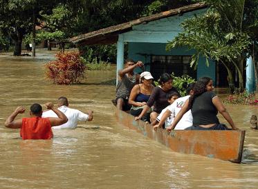 LLUVIAS PROVOCAN DESBORDAMIENTO DEL RIO CAUCA EN CALI