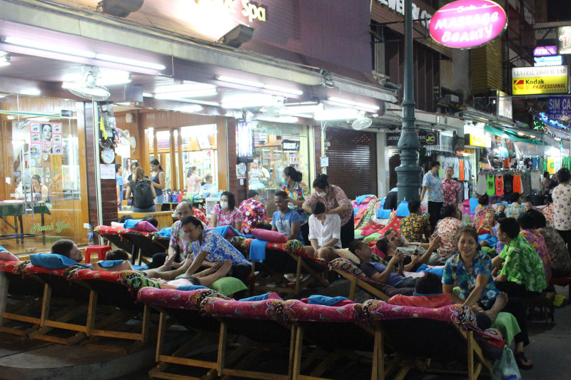 Массовый тайский массаж на Каосан роад