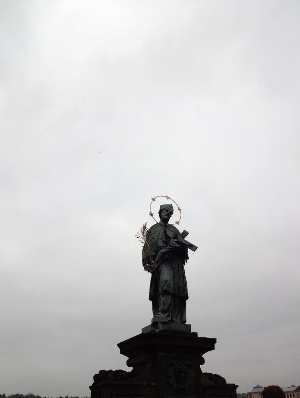 Святой Ян Непомуцкий на  Карловом мосту