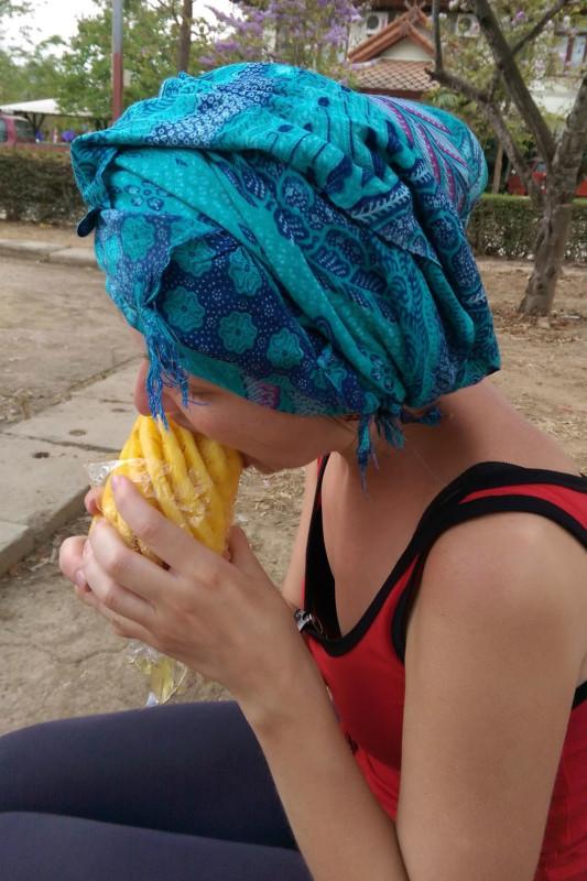 Едим ананасы