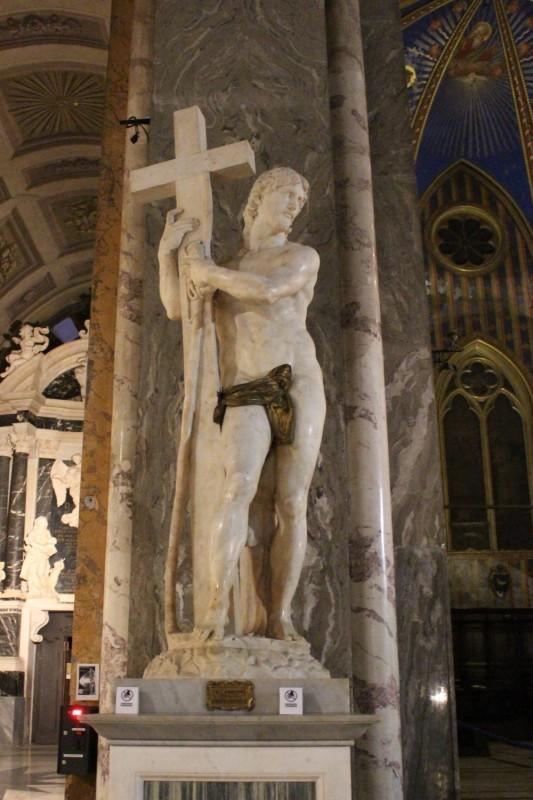 Статуя Микеланджело