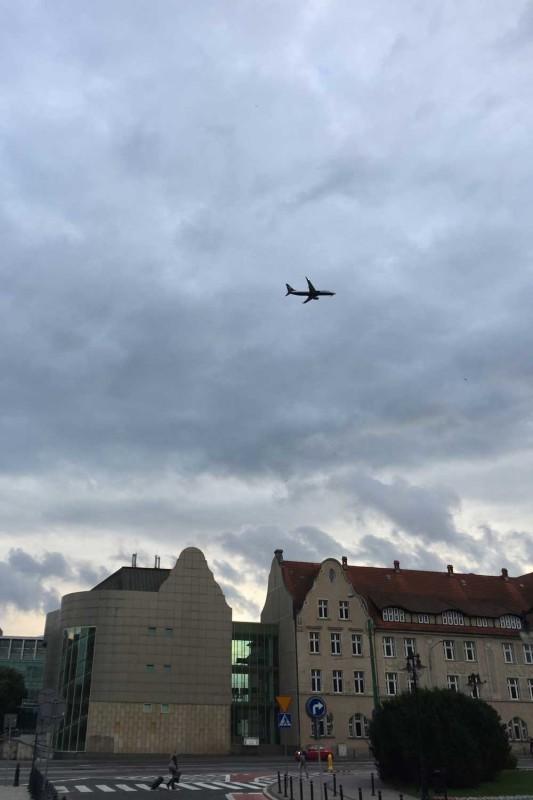Самолеты летают в Познани