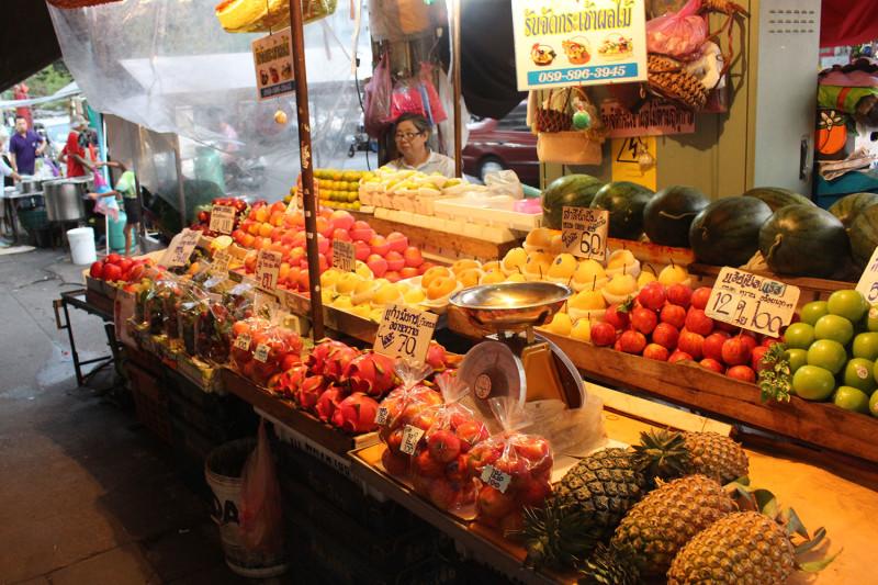Цены на фрукты в Бангкоке на рынке