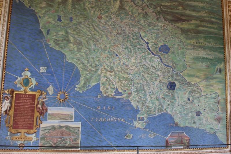 Первые карты в музее Ватикана
