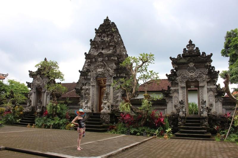Вход в храм на Бали