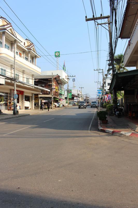 Улочка любого города в северном Таиланде
