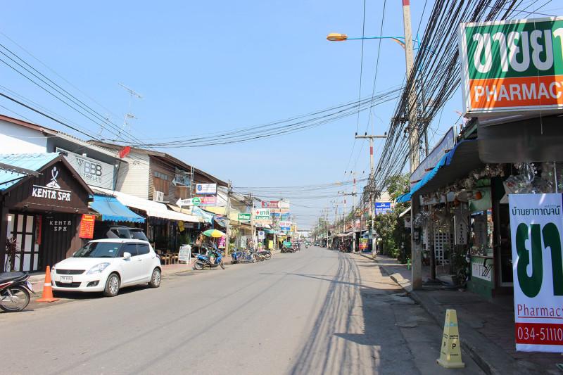 По традиции - улочка Канчанабури