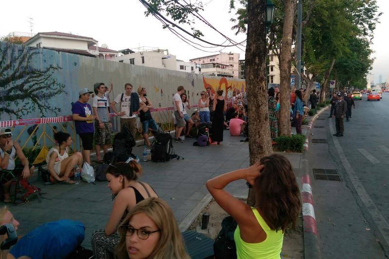 В ожидании автобуса в Краби
