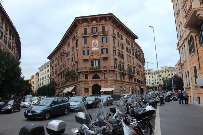 Первая наша улочка Рима