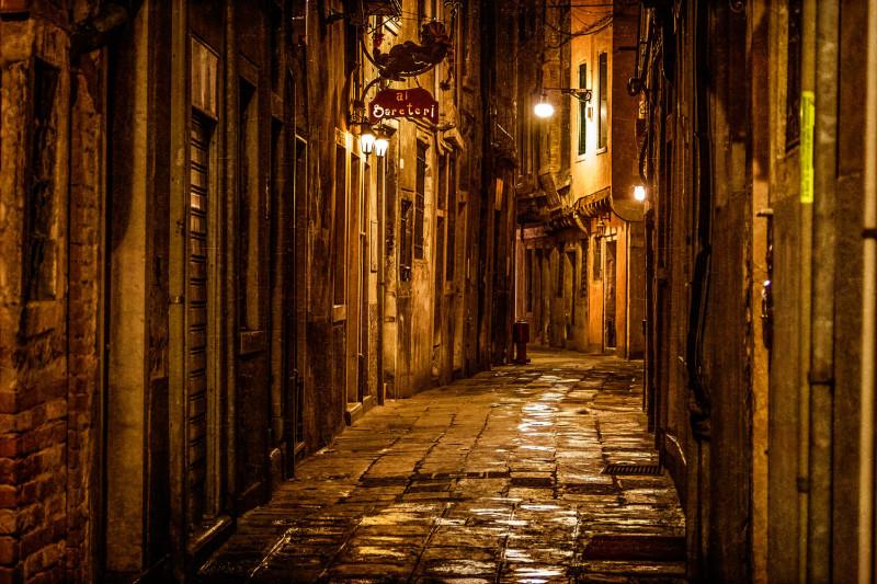Типичная улочка Венеции